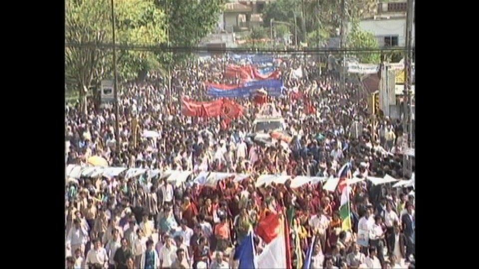 Na pogrzeb Pasang Lhamu przybyły setki ludzi.
